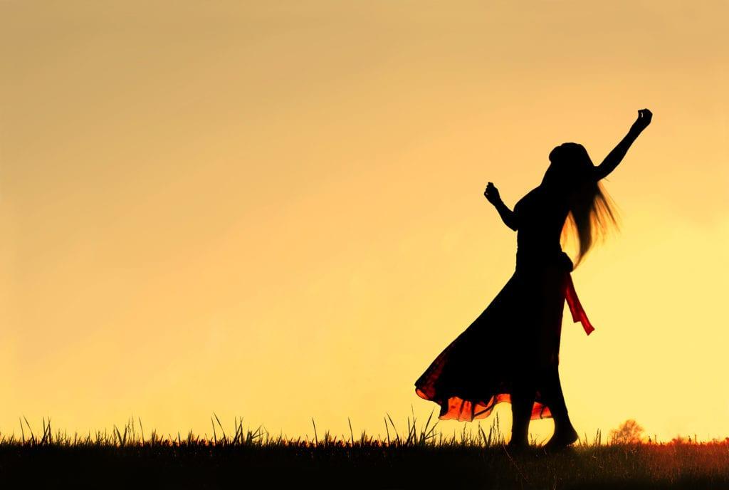 Silhouette of Woman dancing | La Pierre Blanche